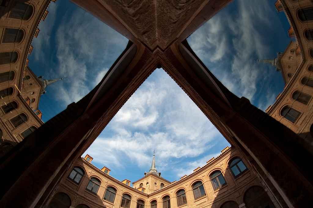Colegio de Málaga - Fotografía de Luis Pérez - http://www.flickr.com/photos/luipermom/3986863828/