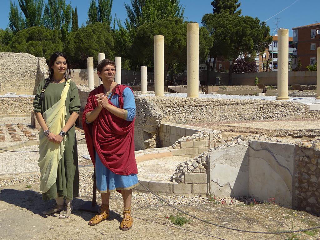 Visita teatralizada Complutum 2014 (49)