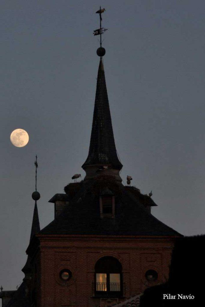 la-luna-en-alcala-segun-pilar-navio-13