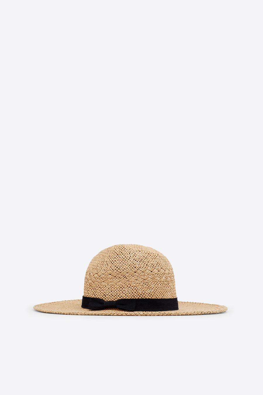 Este sombrero con detalle de lazo no puede ser más estiloso. Y está rebajado  a 16 1fea858b80c