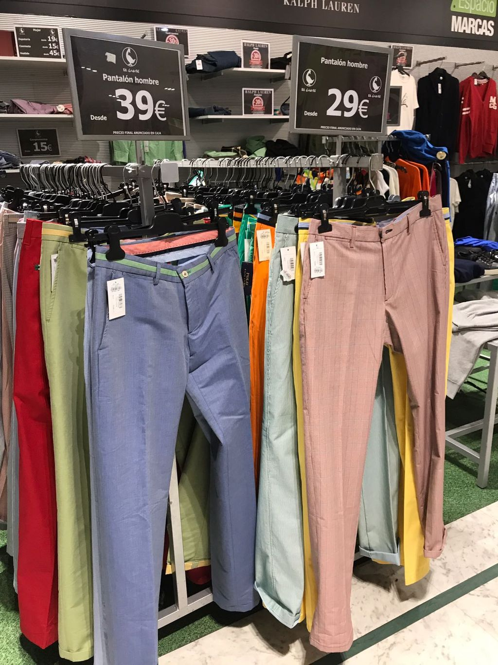 987d97e6fb1 Una oportunidad así de pantalones de mujer y caballero a 29 y 39 euros no  se puede dejar escapar.