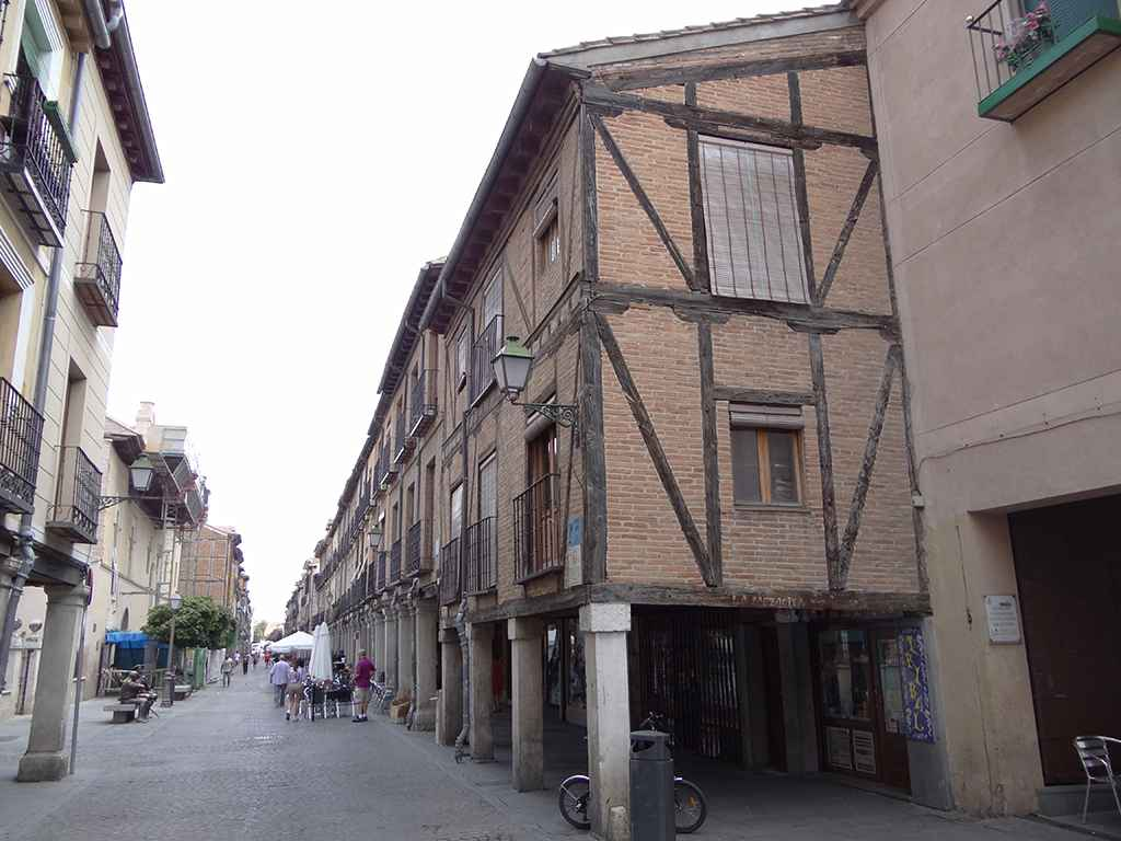 Calle mayor de alcal de henares dream alcal for Residencia canina alcala de henares