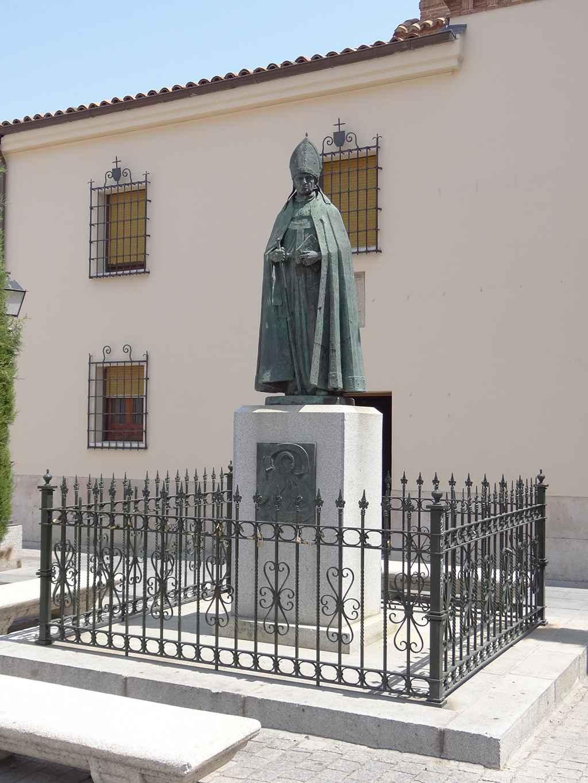 Convento de las Clarisas de San Diego - Estatua de San Diego de Alcalá