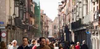 Personas en Alcalá de Henares
