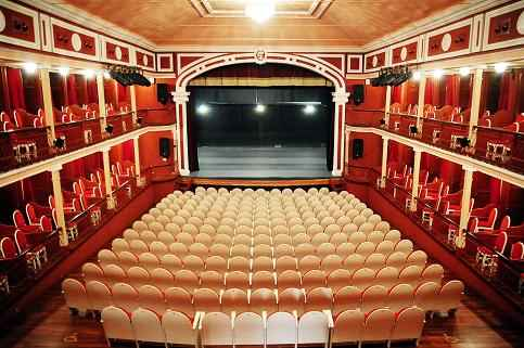 Teatro sal n cervantes dream alcal - Spa alcala de henares ...