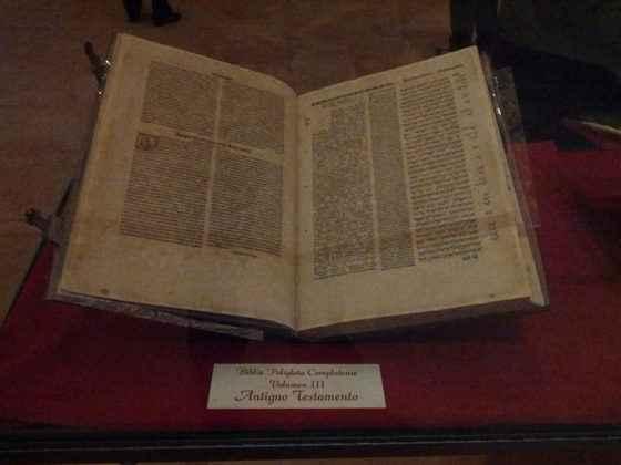 Homenaje a la Biblia Políglota Complutense en la Capilla de San Ildefonso de Alcalá de Henares