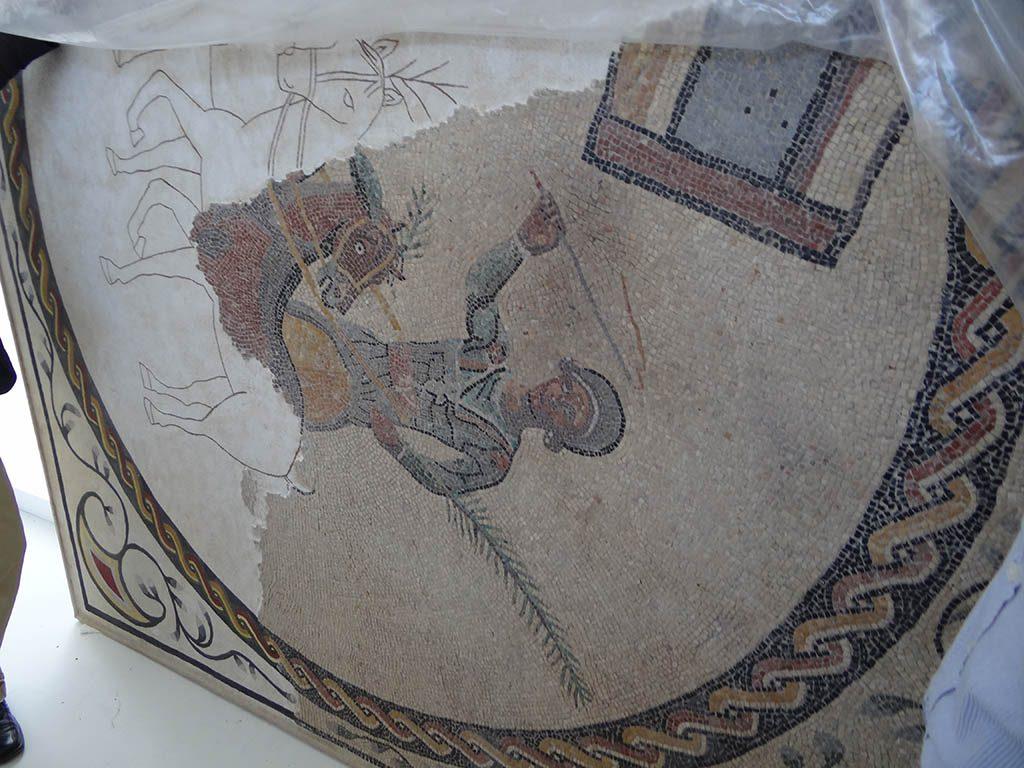 Casa de los Grifos. Vista de uno de los mosaicos ya restaurados,