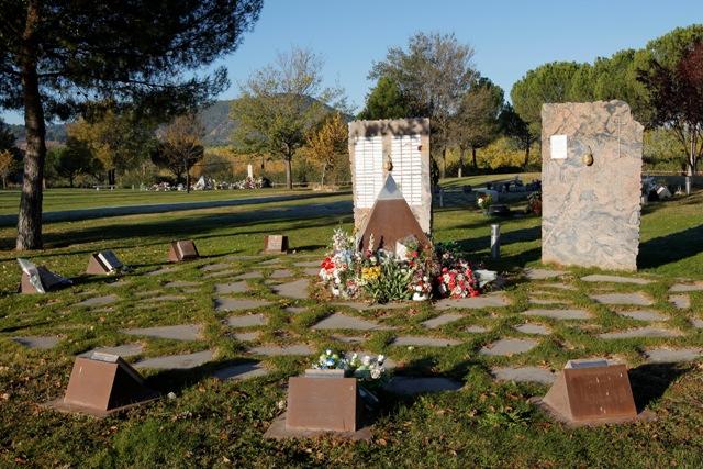El cementerio jard n organiza el martes el atardecer de for Cementerio jardin
