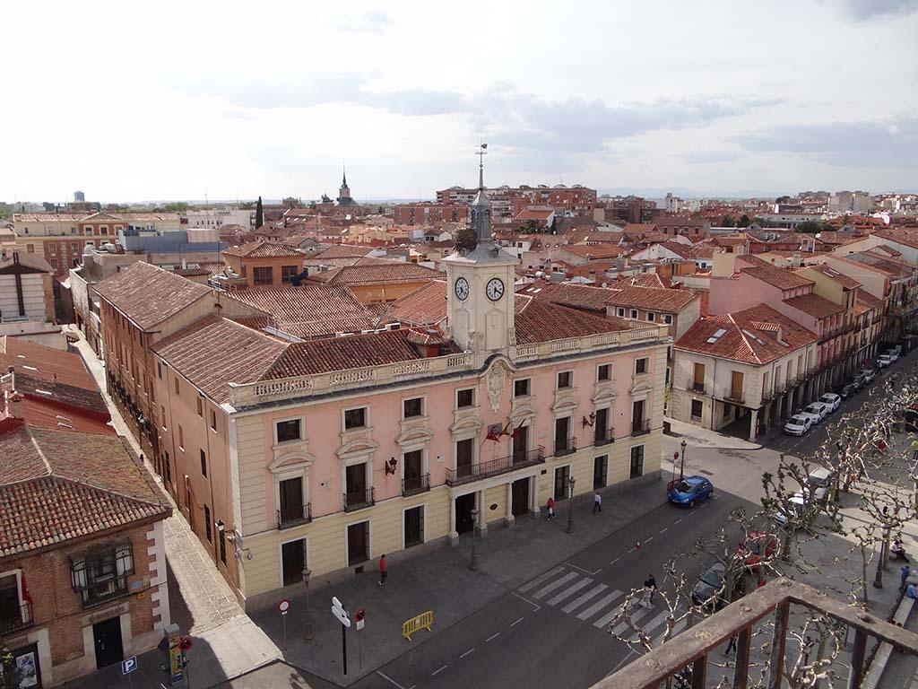 Ayuntamiento de alcal de henares convento de for Oficina inem alcala de henares