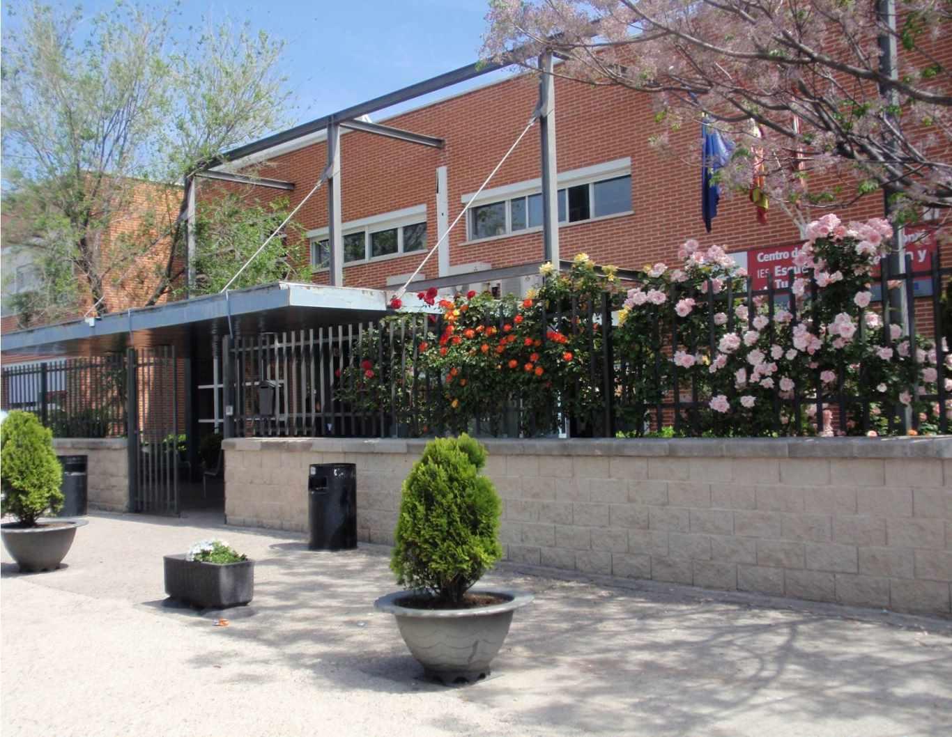 La escuela de hosteler a y turismo de alcal se va a for Estudiar interiorismo murcia