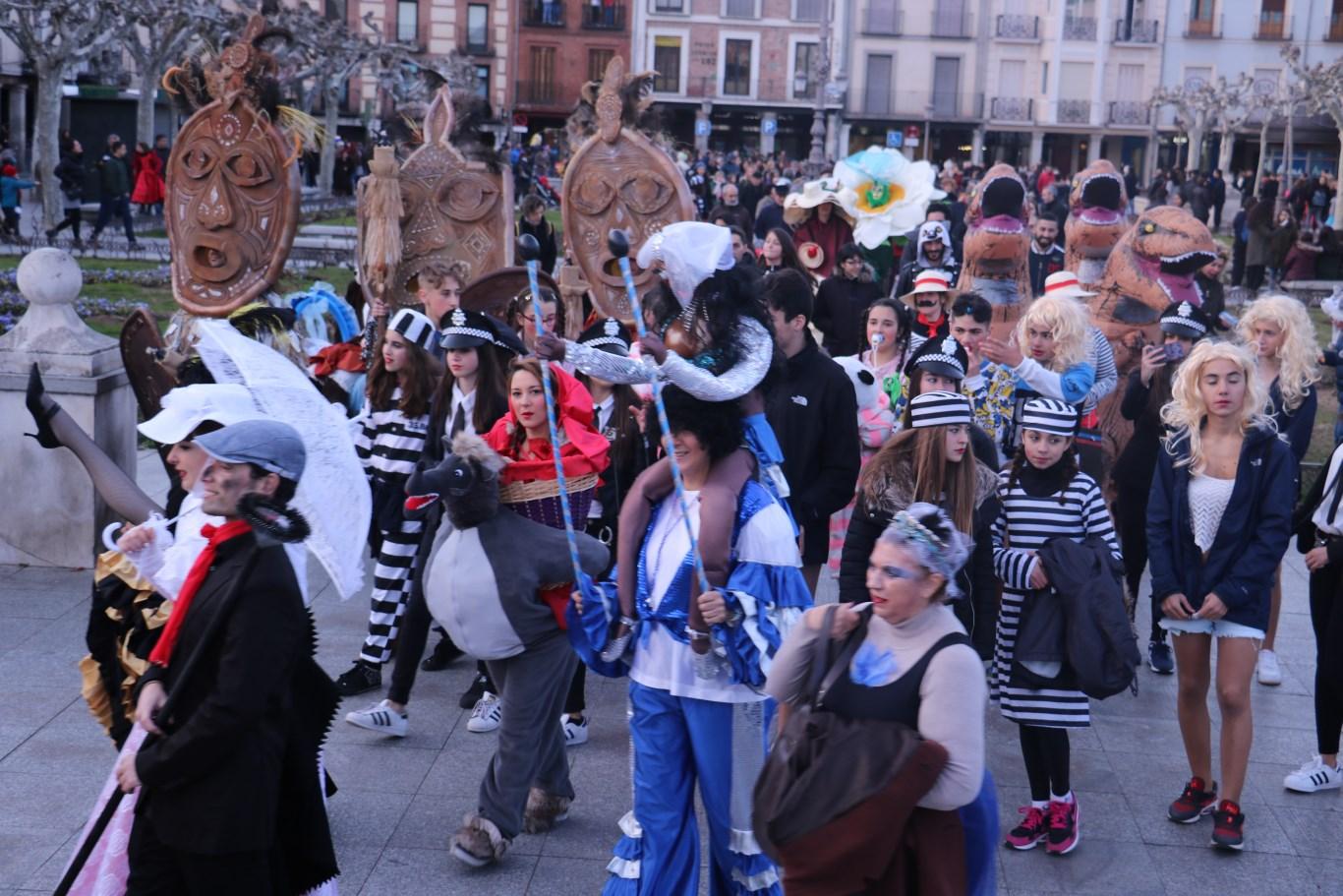 Concursos de disfraces, pasacalles y un gran baile para el Carnaval ...