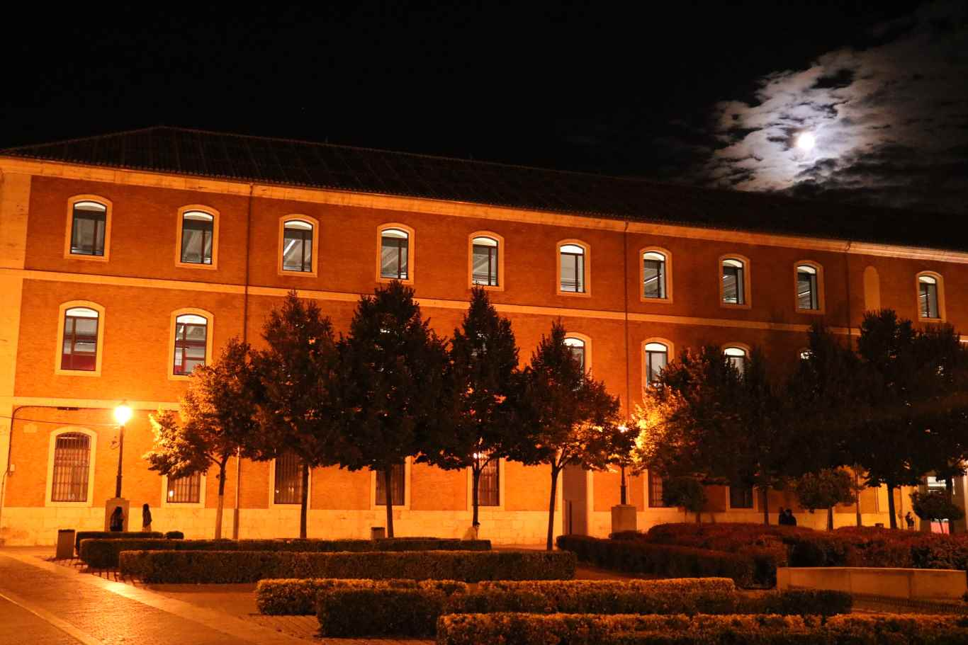 Nueva residencia universitaria lope de vega en el centro for Residencia canina alcala de henares