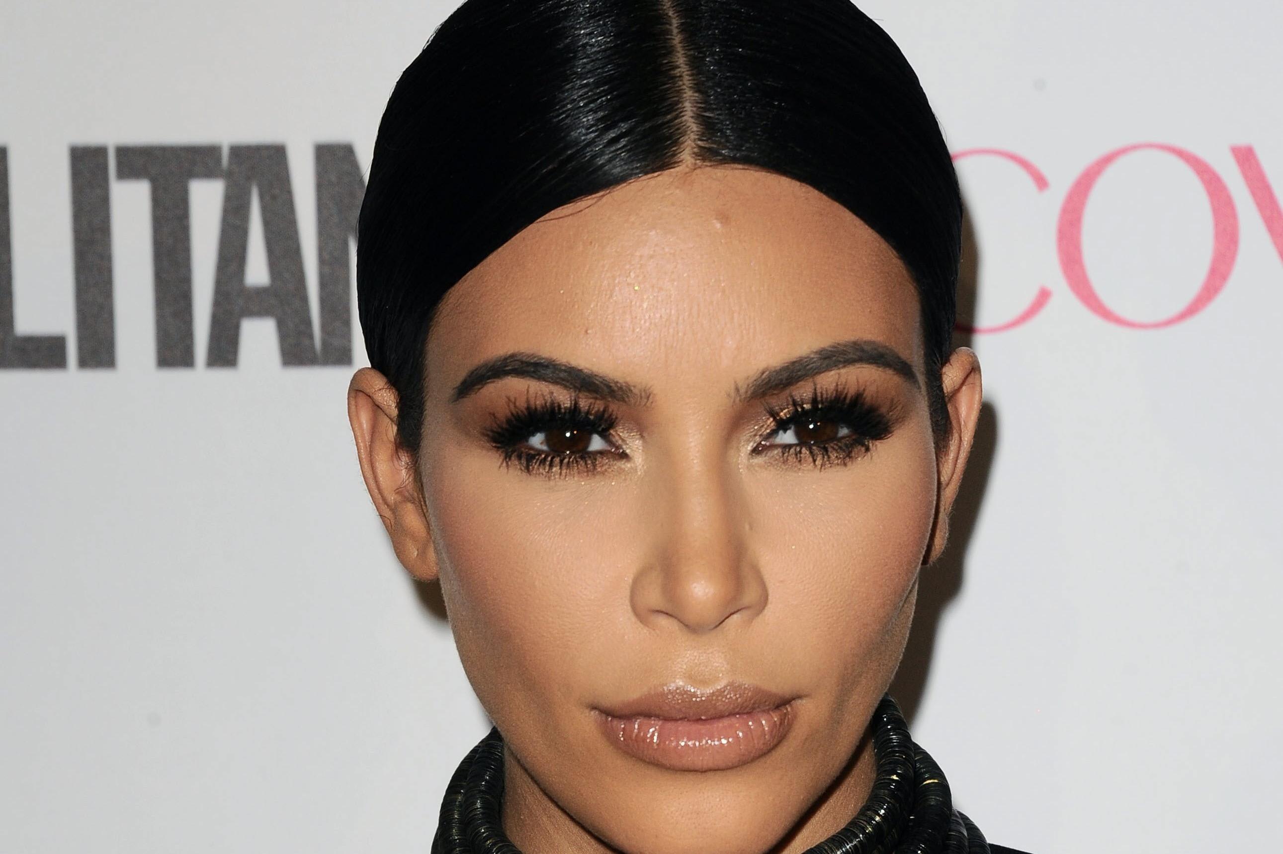 El Peinado Con Mil Horquillas Que Kim Kardashian Ha Hecho Viral