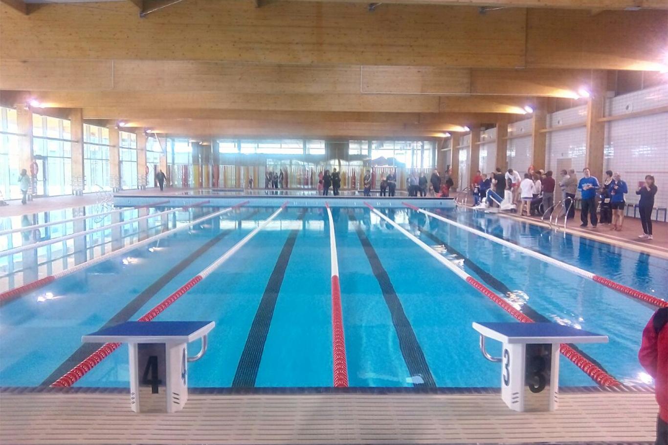 las piscinas cubiertas de espartales cierran durante una