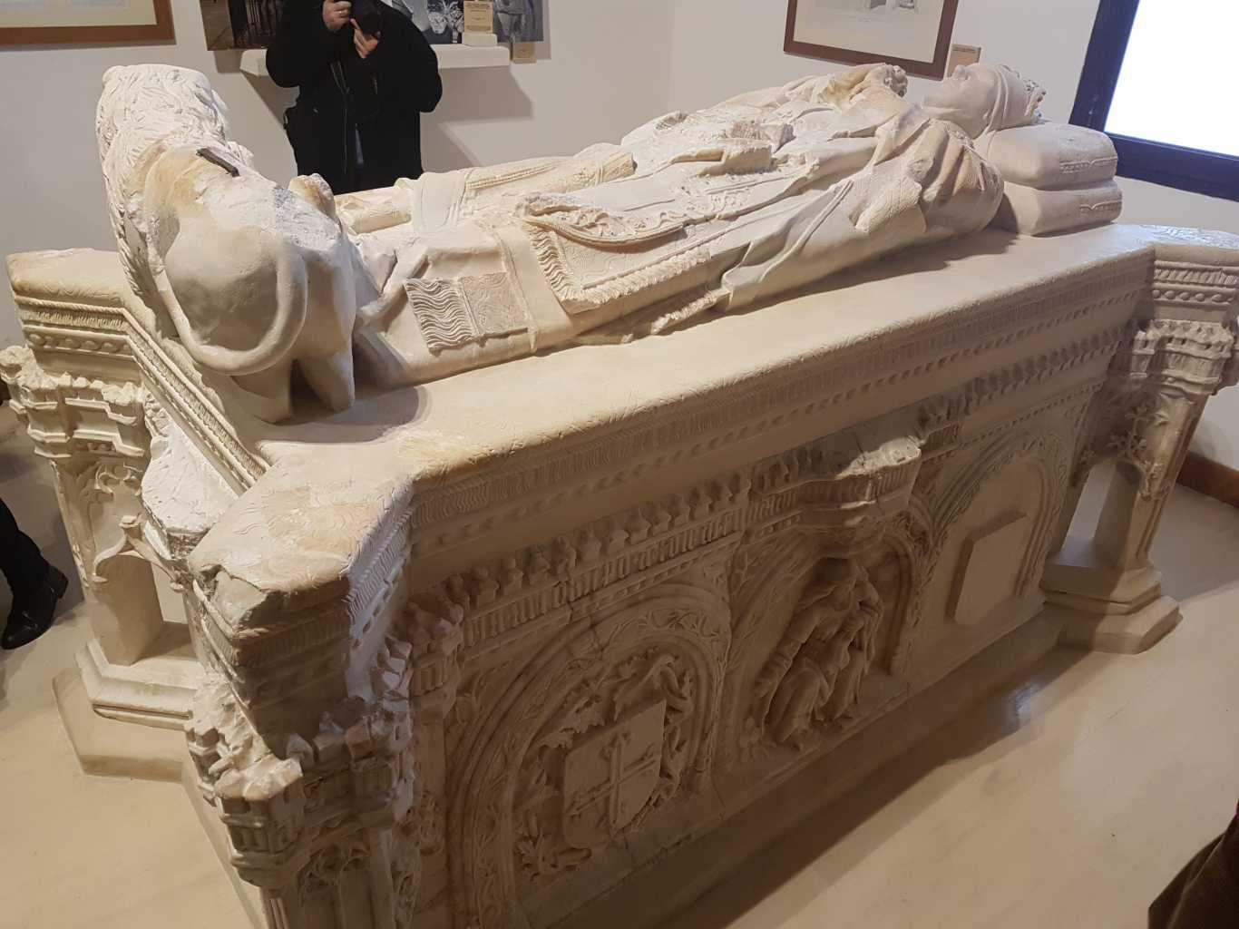 Resultado de imagen de Sepulcro del Arzobispo Carrillo